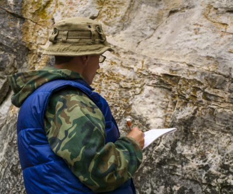 wykonywanie badania geologicznego